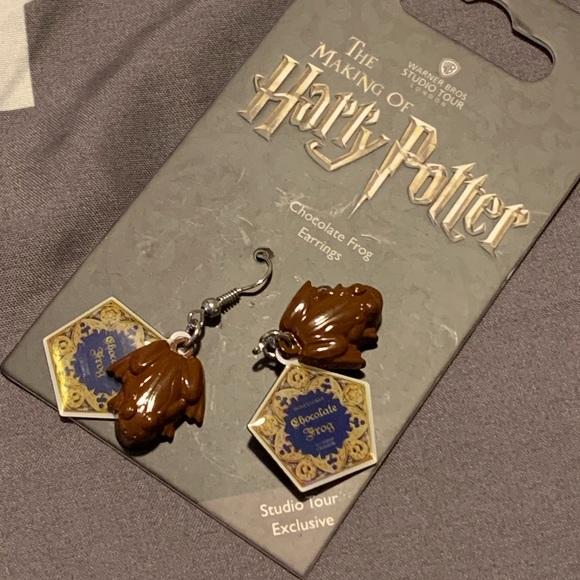 Warner Bros Studio Tour Exclusive Chocolate Frog Earings Brand New